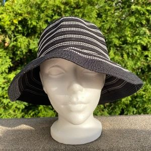 Tristan& Iseut Bucket Summer Hat Blk White Ribbed